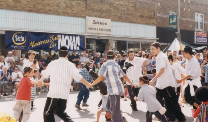 WEB taste-of-postville-street-dancers-1998-09-13_eebce2d184